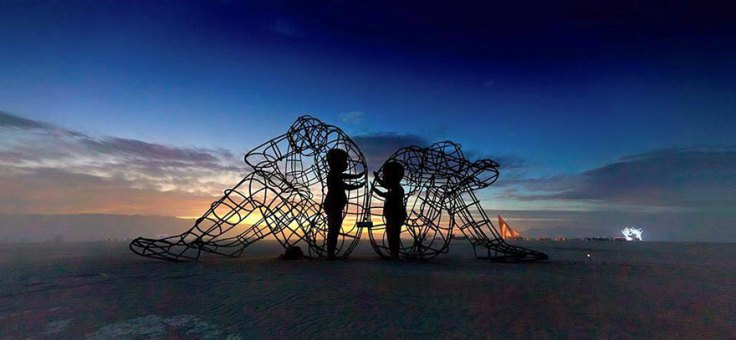 escultura-amor-ucrania-aleksandr-milov-burning-man-festival-2
